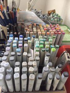 Copic-Marker zum kolorieren.